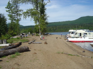 Boat camping Cariboo Is